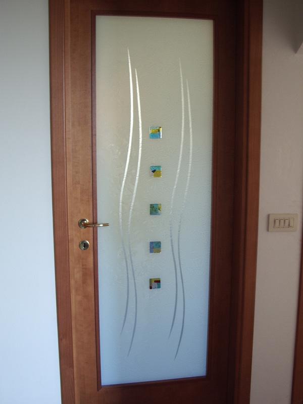 Porte e divisori vetreria biturgense - Vetri decorati per porte interne scorrevoli ...